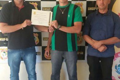 Photo of SINSEP PRESTA HOMENAGEM AO ASP PEDRO GONDINHO